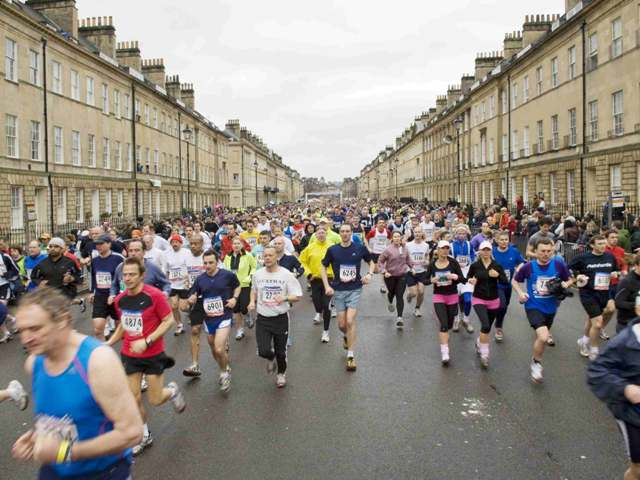 Bath Marathon runners in Great Pultney Street